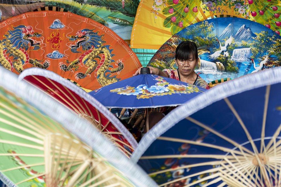 Taken during a trip to Bo Sang Umbrella Village, Thailand (Adoración Gomez/AGORA images)