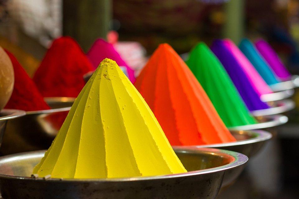 Taken in the street market of Mysore, India (Josu Ozkaritz Astigarraga/AGORA images)