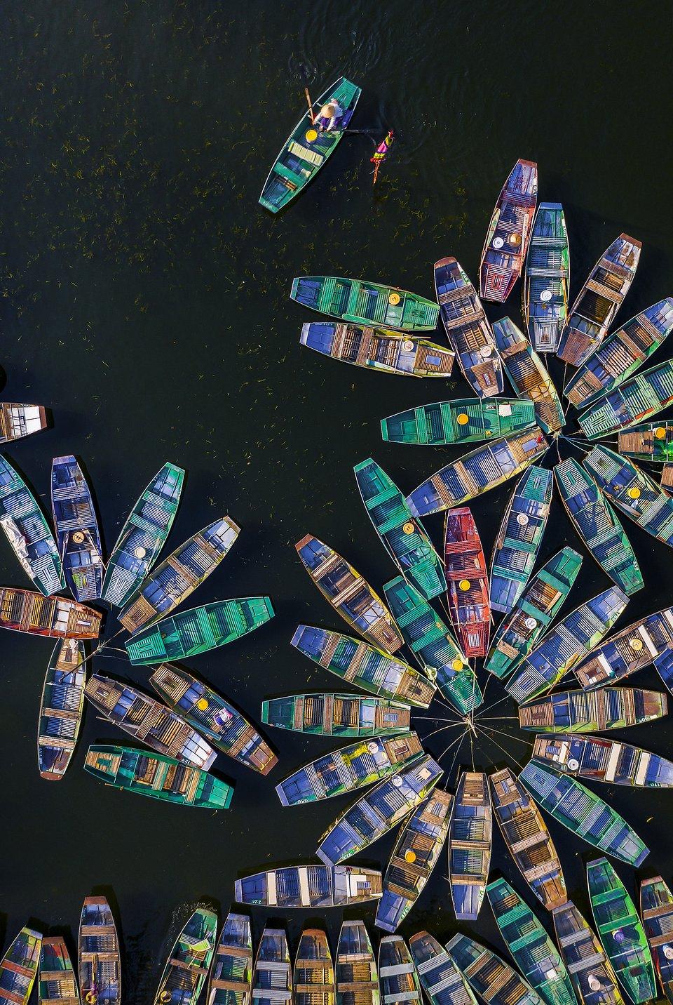 Taken in Vietnam (Khánh Phan/AGORA images)