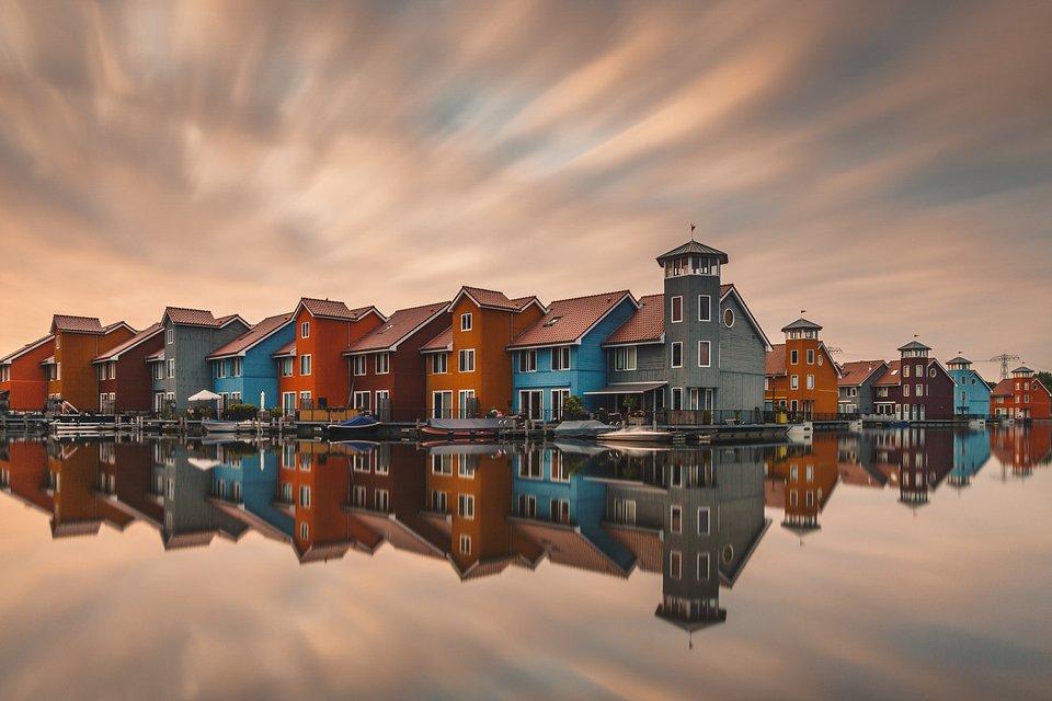 Long exposure sunset shot in the District in the city of Groningen, Netherlands (Anskar Lenzen/Agora)