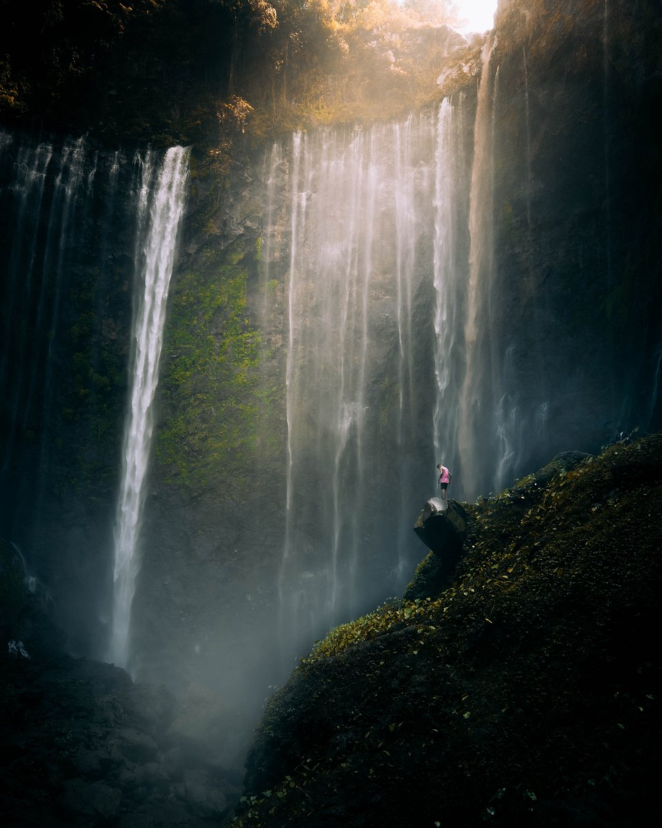 Taking this shot without getting his lenses soaked was a hard exercise for this photographer in Tumpak Sewu Waterfall, East Java (Jonathan Rogers/Agora)