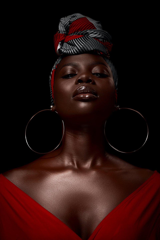 Powerful portrait taken in Accra, Ghana (Reuben Ekow Quansah/AGORA images)