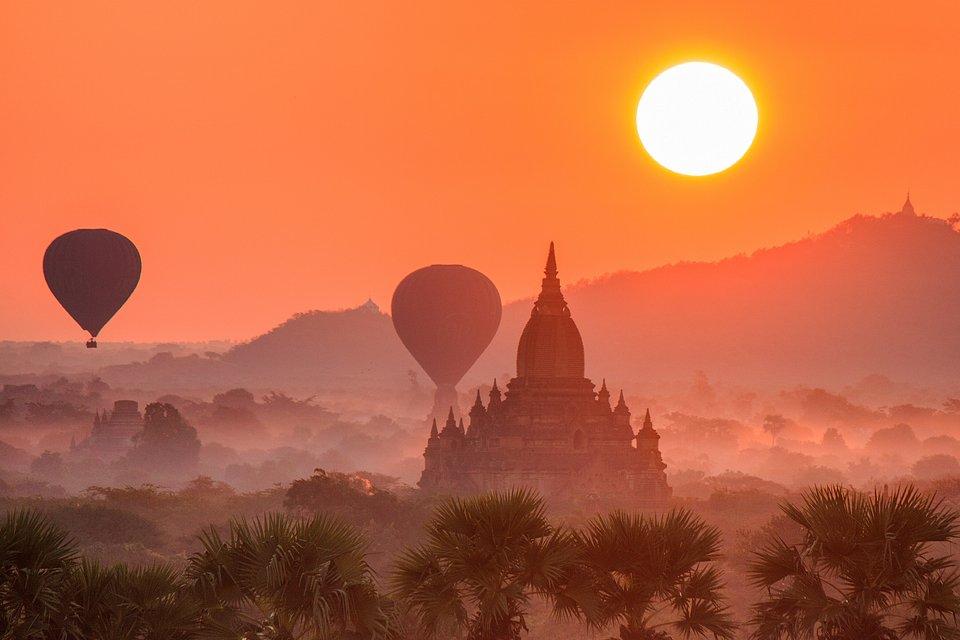 Incredible sunset shot of Bagan's pagodas (Yan Xing/AGORA images)