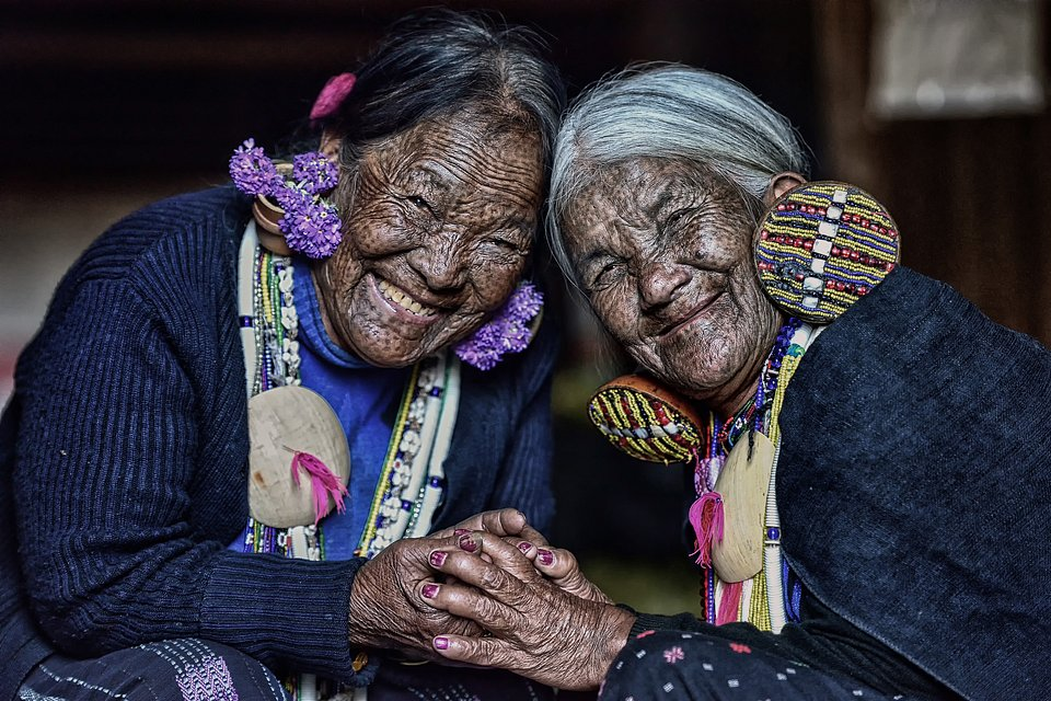 A 74 year-old friendship between these two belonging to the same tribe (Chin)  (TunPaingAung/AGORA images)