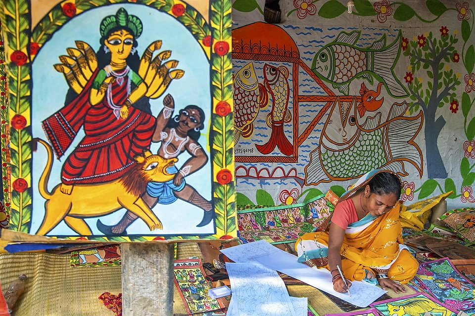 Artist pictured in a rural village of West Bengal (Sujit Saha/AGORA images)