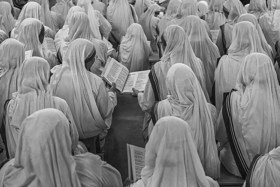 Shot taken during the Holy Mass and Canonization of Mother Teresa in Calcutta(Amitava Chandra/AGORA images)