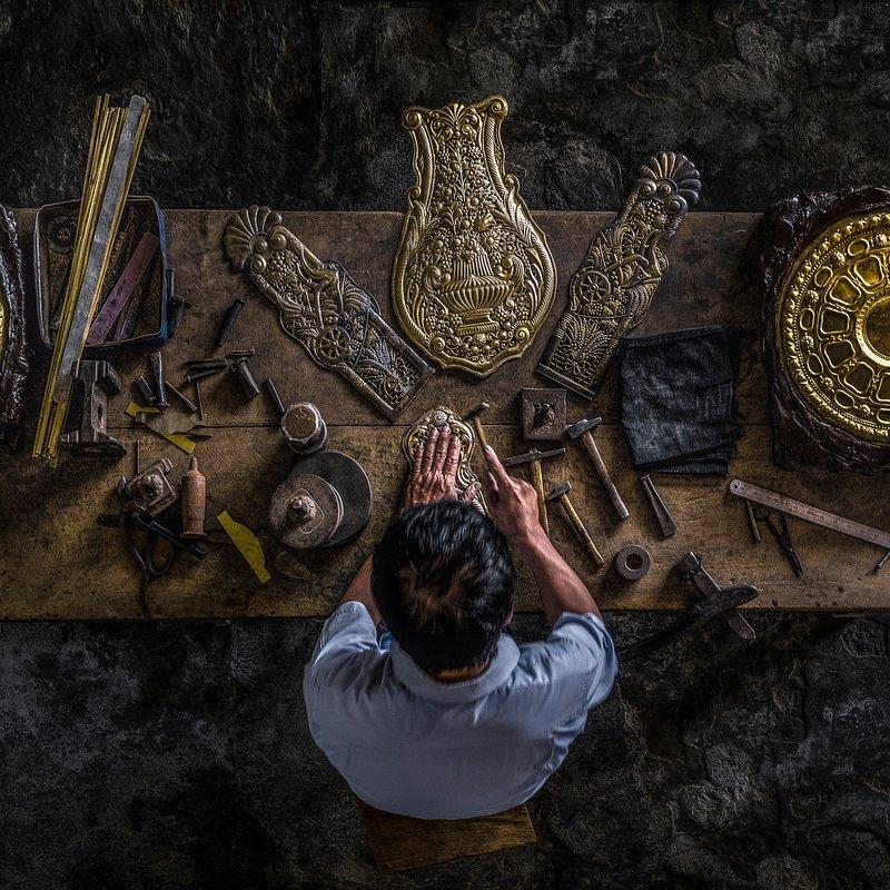 'Carving silver' Khan Phan:AGORA images.jpg