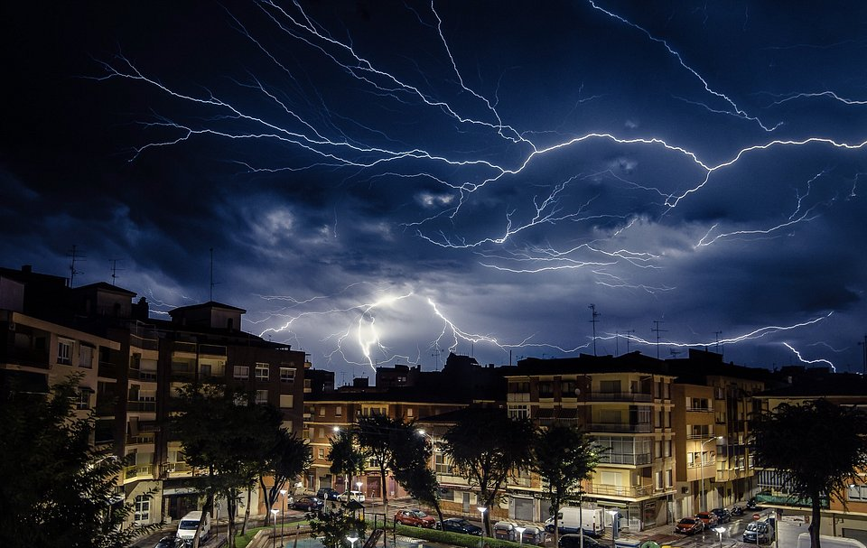 Laserna jumped at the opportunity to catch an incredible shot of the strong thunderstorm in Albacete, Spain. (Francisco Manuel Laserna Jimena/Agora)
