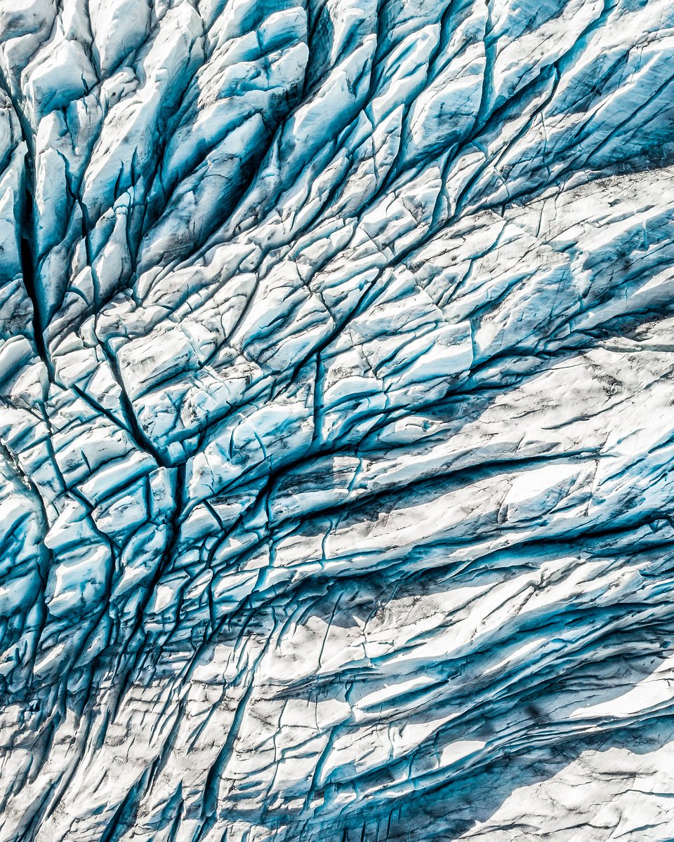 You can almost feel the texture of these massive glaciers. (Thomas Bridges/Agora)