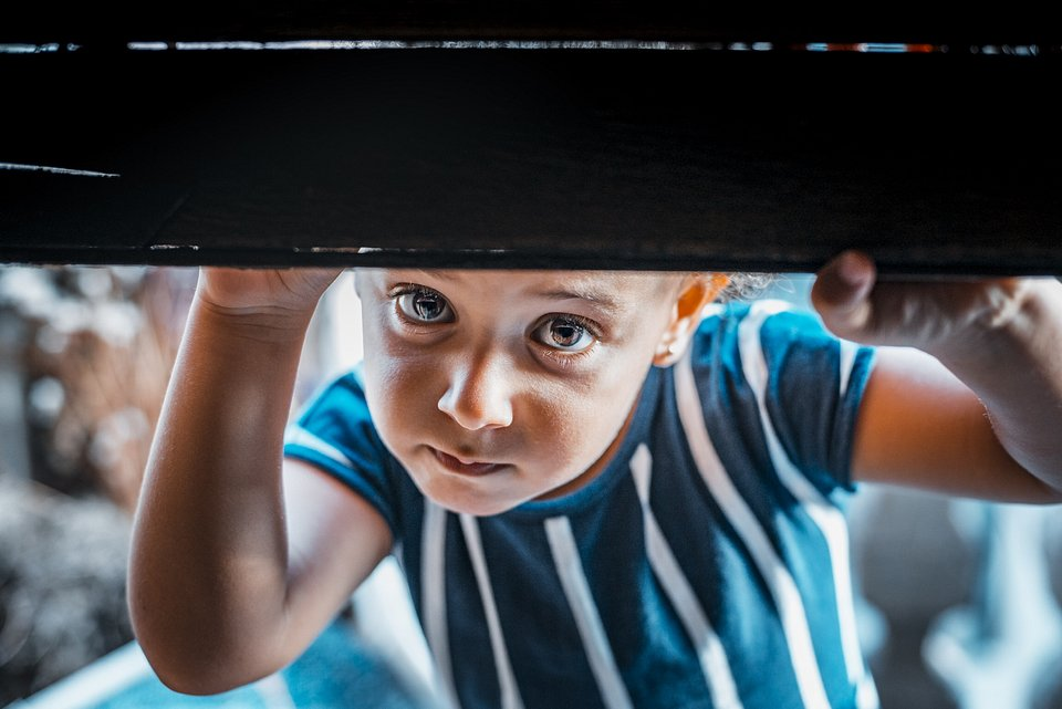 This child's curious expression will draw you into the photo. (Wilmer Valdez Hinojosa/Agora)