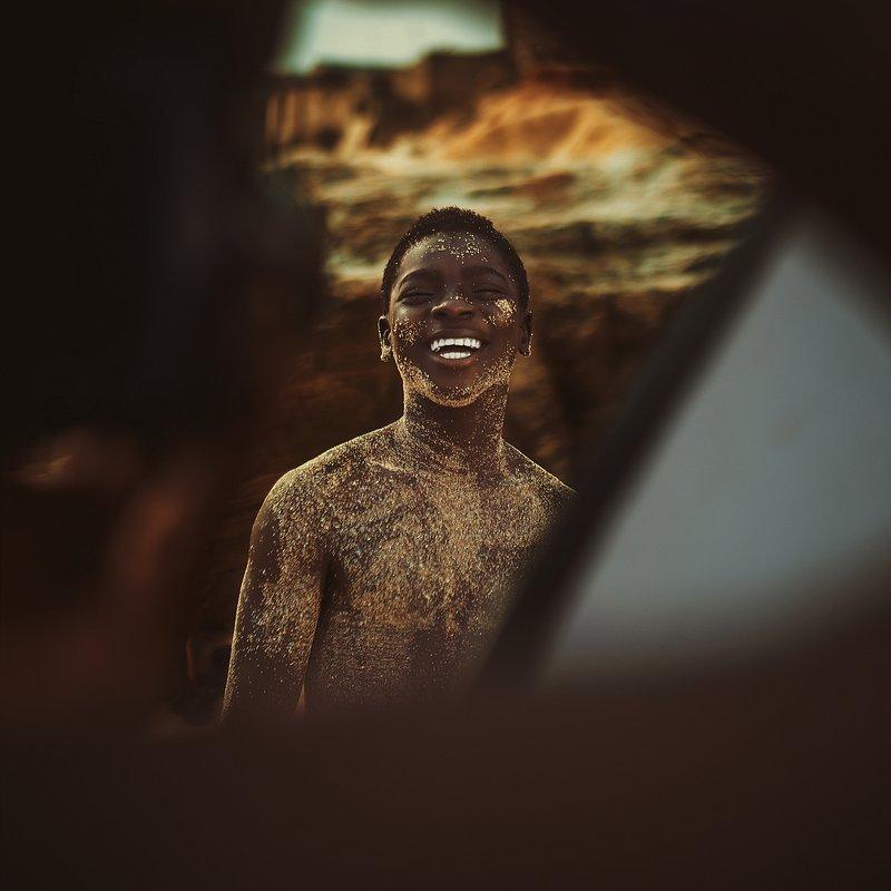 PORTFOLIO Michael Aboya'Let Your Smile Change The World' (Michael Aboya:Agora).jpg