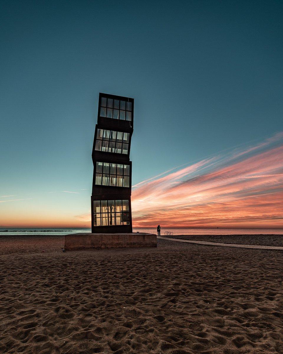 Location: L'estel ferit, Barcelona, Spain