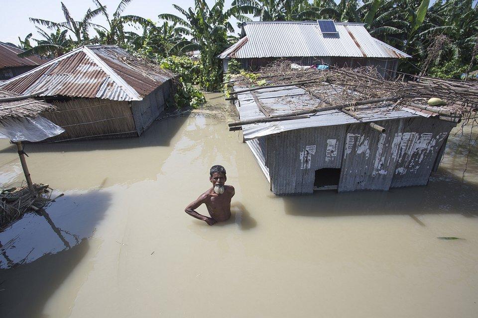 Location: Jamuna river under Shirajganj District, Bangladesh