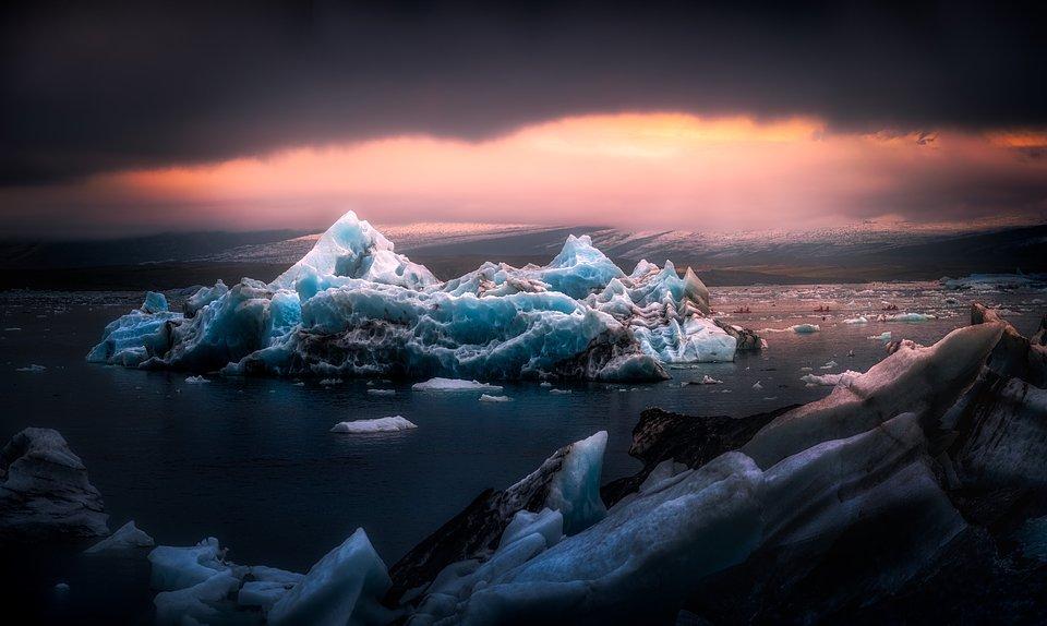 Location:Jökulsárlón, Iceland