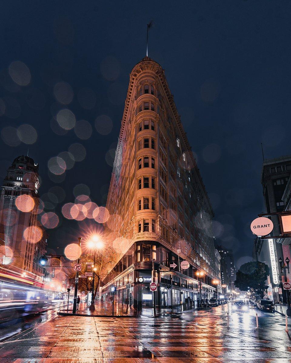 Location: Market st & Grant Ave, San Francisco, USA