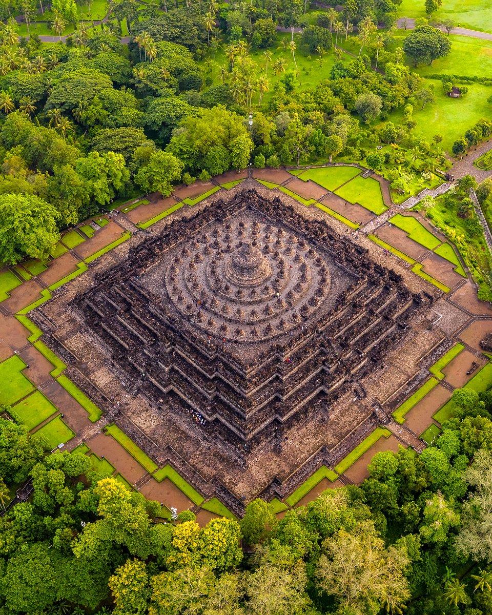 Location: Borobudur, Magelang, Indonesia