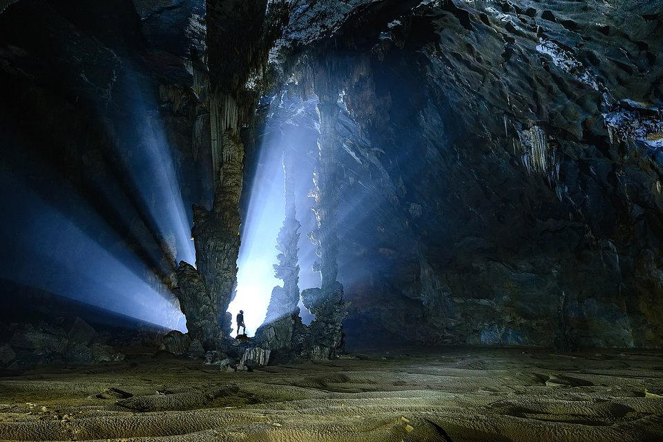 Location: Tu Lan Cave, Vietnam
