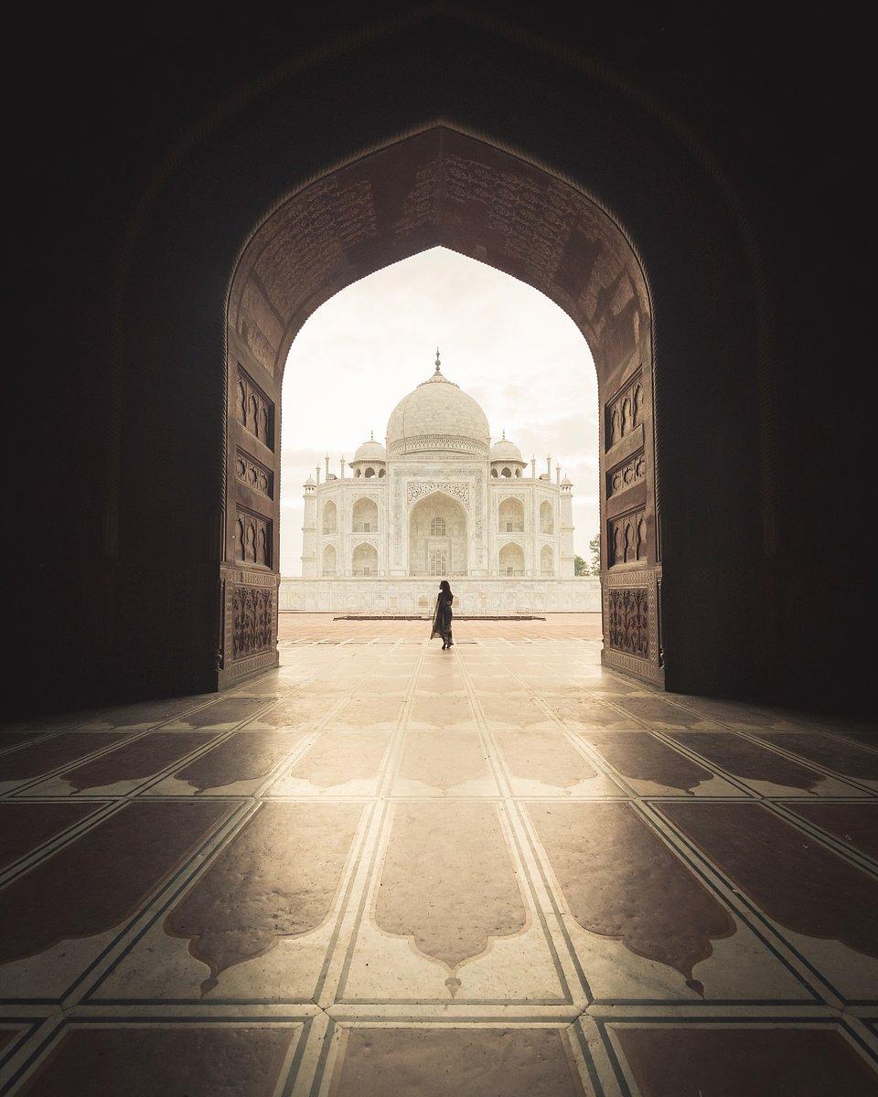 Location: Taj Mahal, India