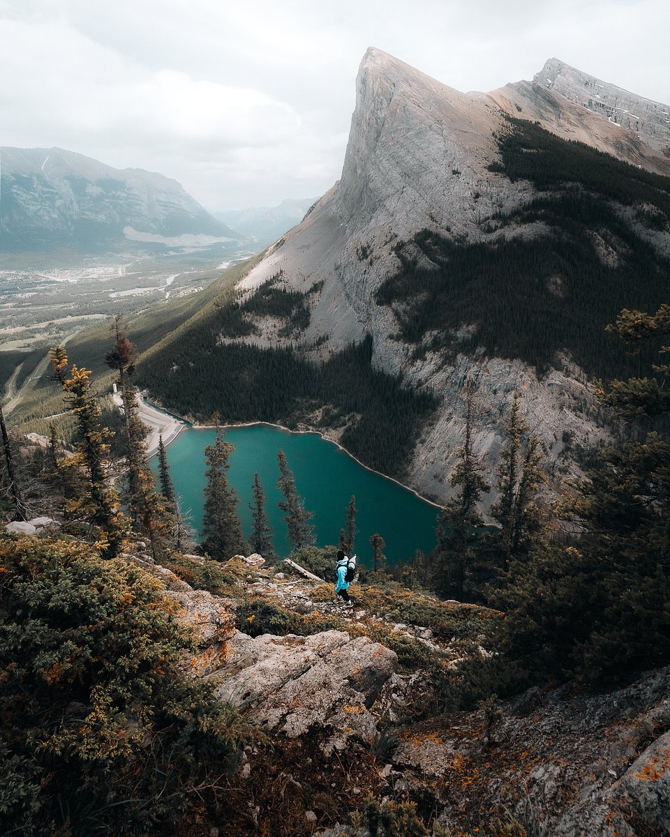 Location: East End of Rundle Hike, Canada