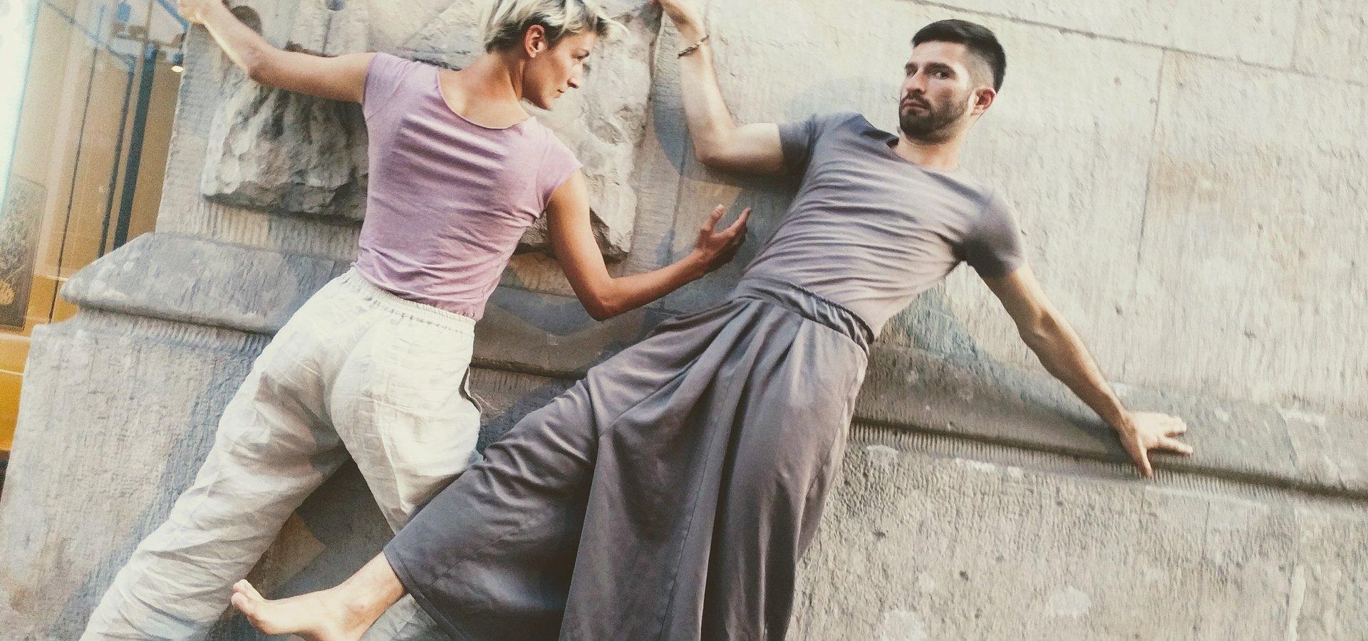 Tańcz i doświadczaj