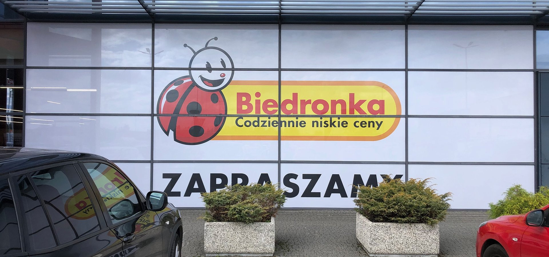 Nowa Biedronka zaprasza klientów w Katowicach