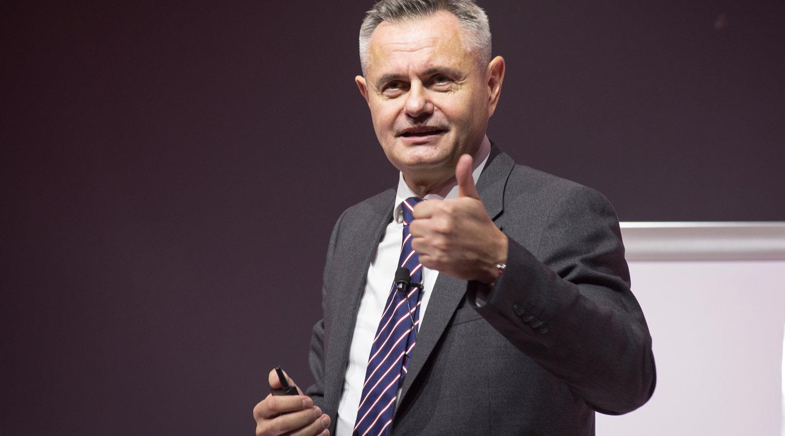Andrzej Jacaszek: Wyróżnia nas unikalna metoda nauczania