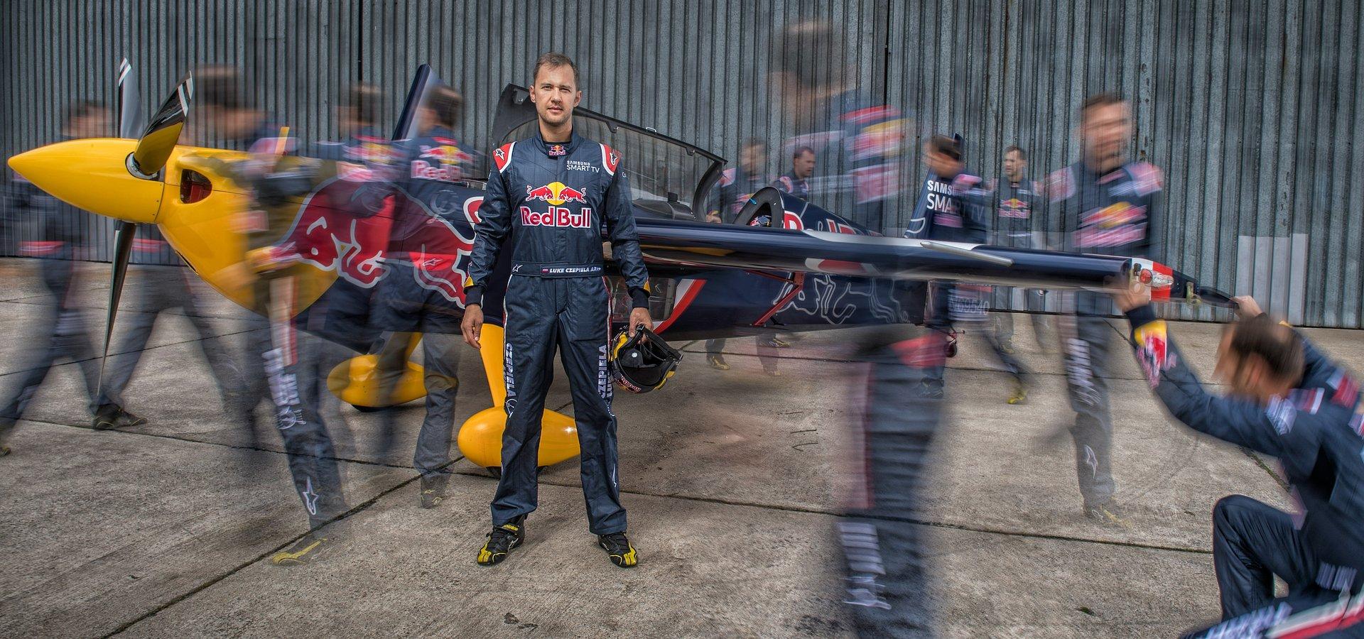 Pierwszy polski pilot w Red Bull Air Race na Lotnisku Makowice-Płoty.