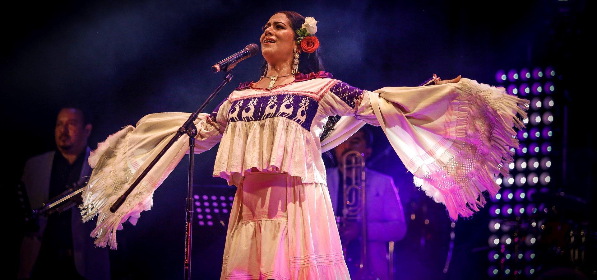 Lila Downs se encuentra lista para llevar su música a los escenarios de la capital mexicana