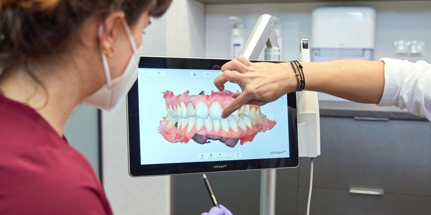 Planujesz leczenie zębów? Dowiedz się, czym jest Complete Smile Check. To może wiele ułatwić