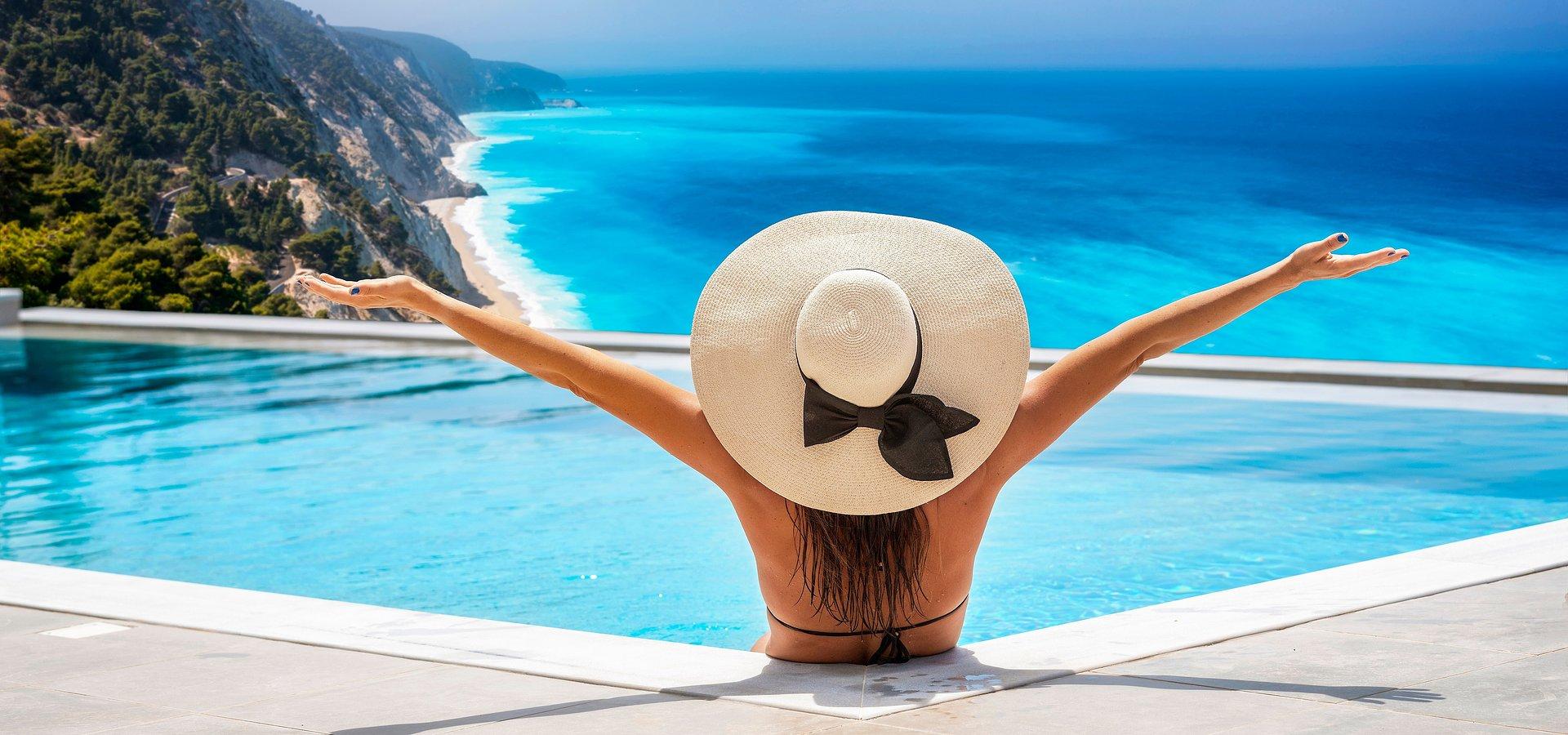 Zagraniczne wakacje w sierpniu – możliwości jest wiele, a miejsca rozchodzą się jak świeże bułeczki