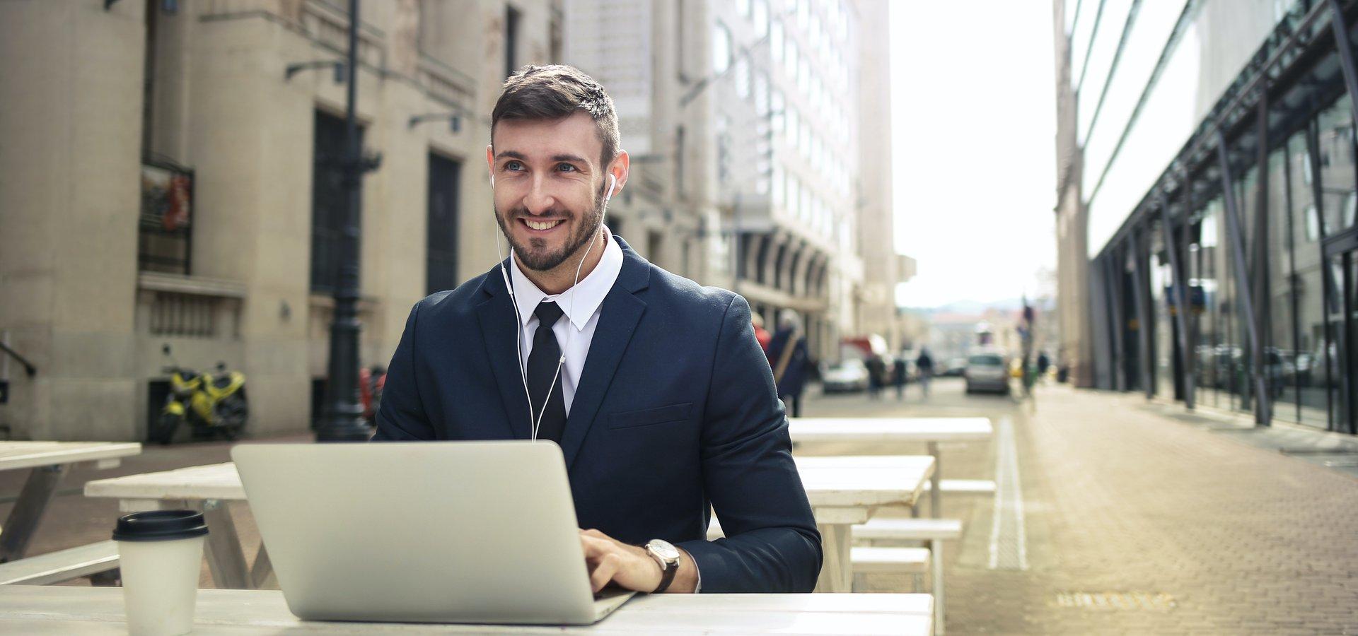 Kursy i szkolenia online – hit czy kit? Opinie Polaków