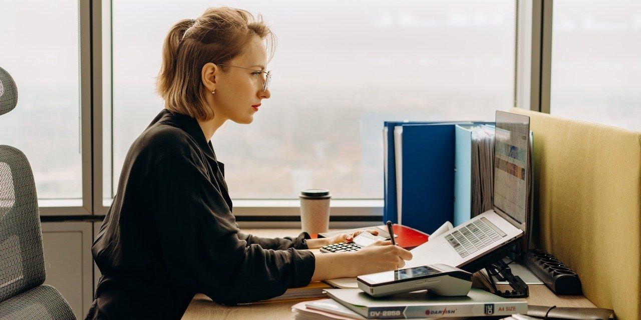 Czy rynek pracy w pełni wykorzystuje potencjał dyslektyków?