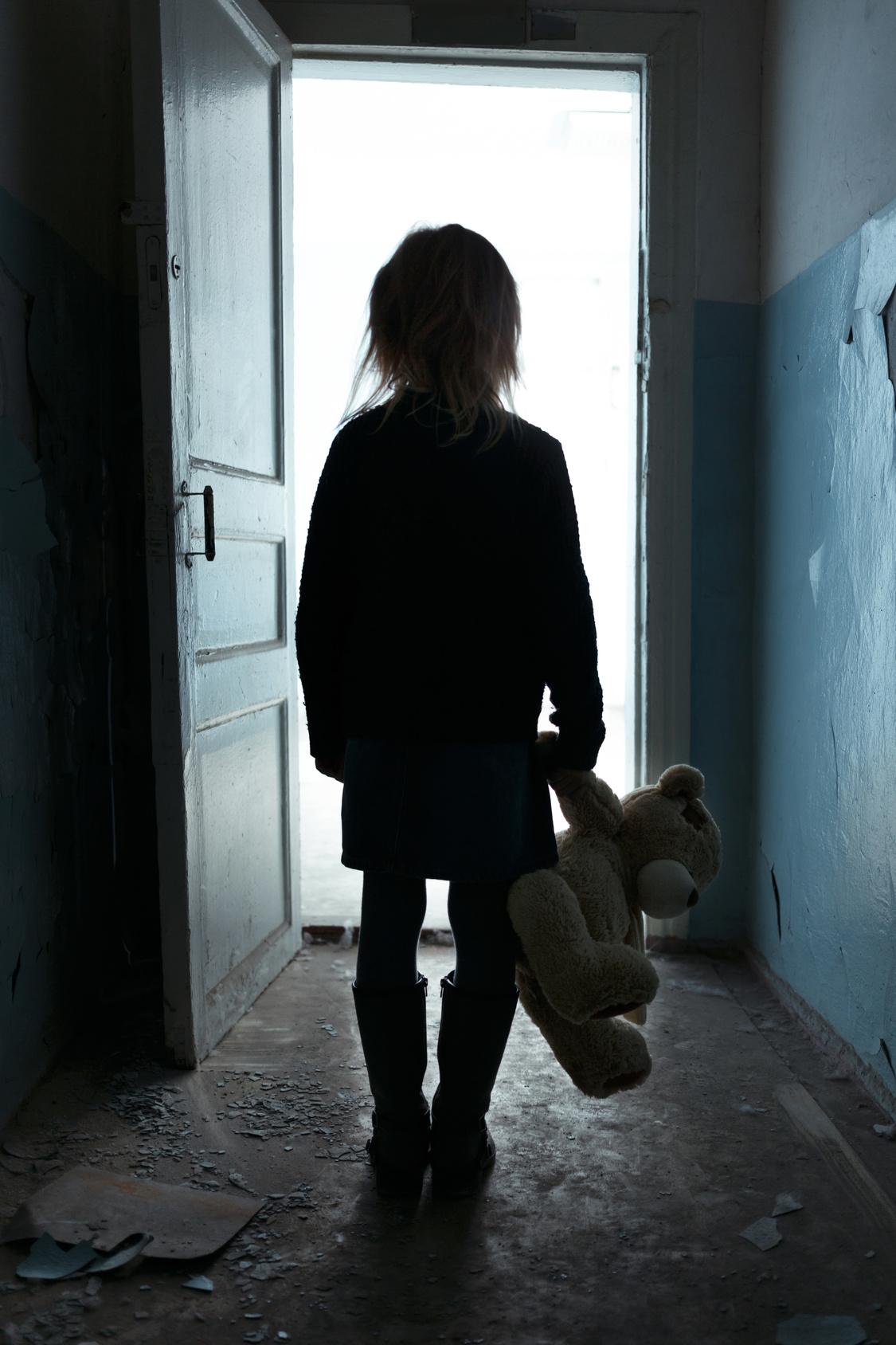 Nowy raport z badania polskich studentów: silny związek pomiędzy negatywnymi doświadczeniami w dzieciństwie a zachowaniami ryzykownymi dla zdrowia