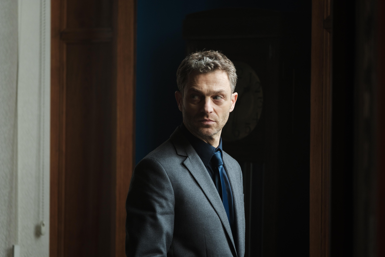 """""""Nielegalni"""" dla niecierpliwych.  CANAL+ udostępnia odcinki swojego najnowszego serialu nawet tydzień przed premierą antenową!"""