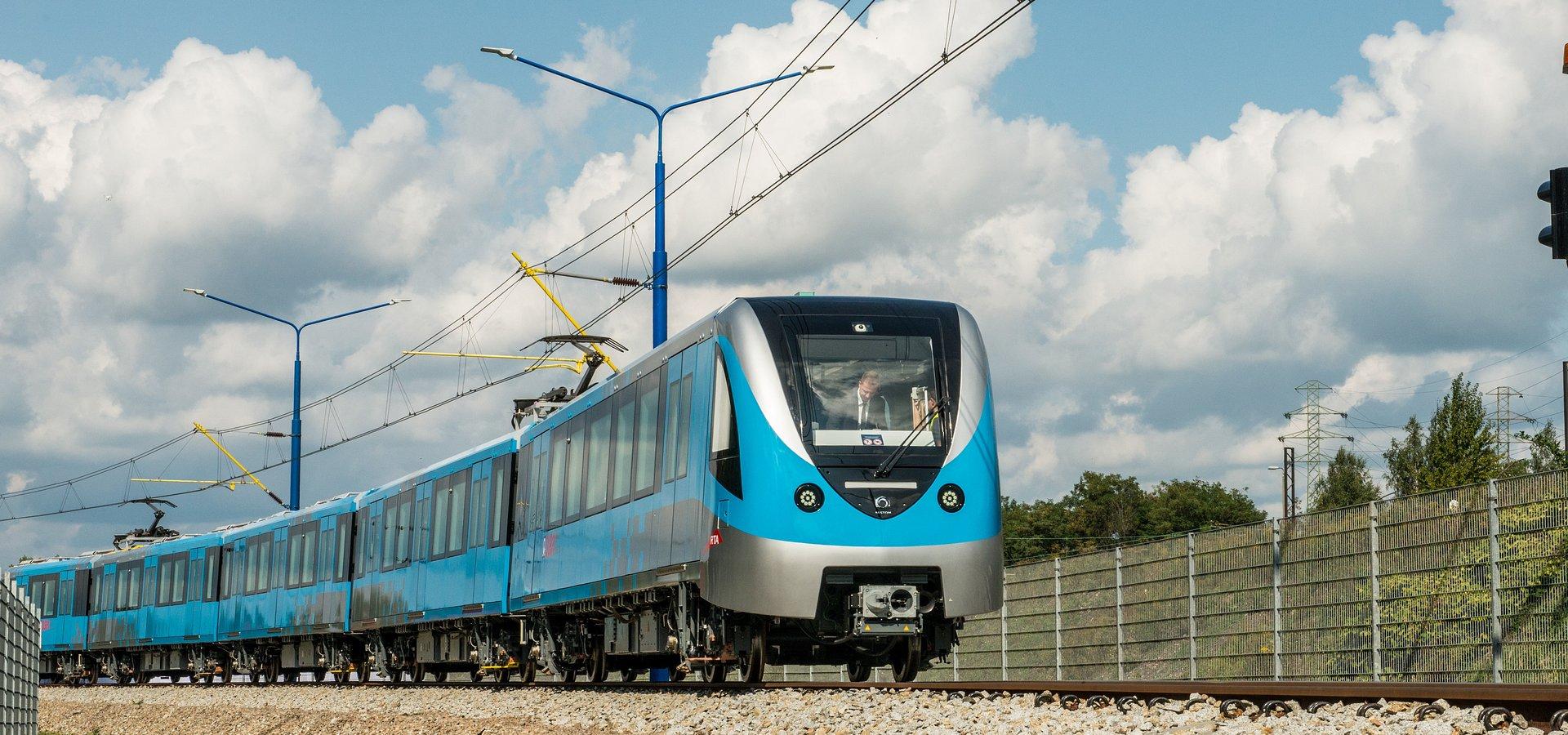 Pierwszy skład metra dla Dubaju dostarczony terminowo przez Alstom