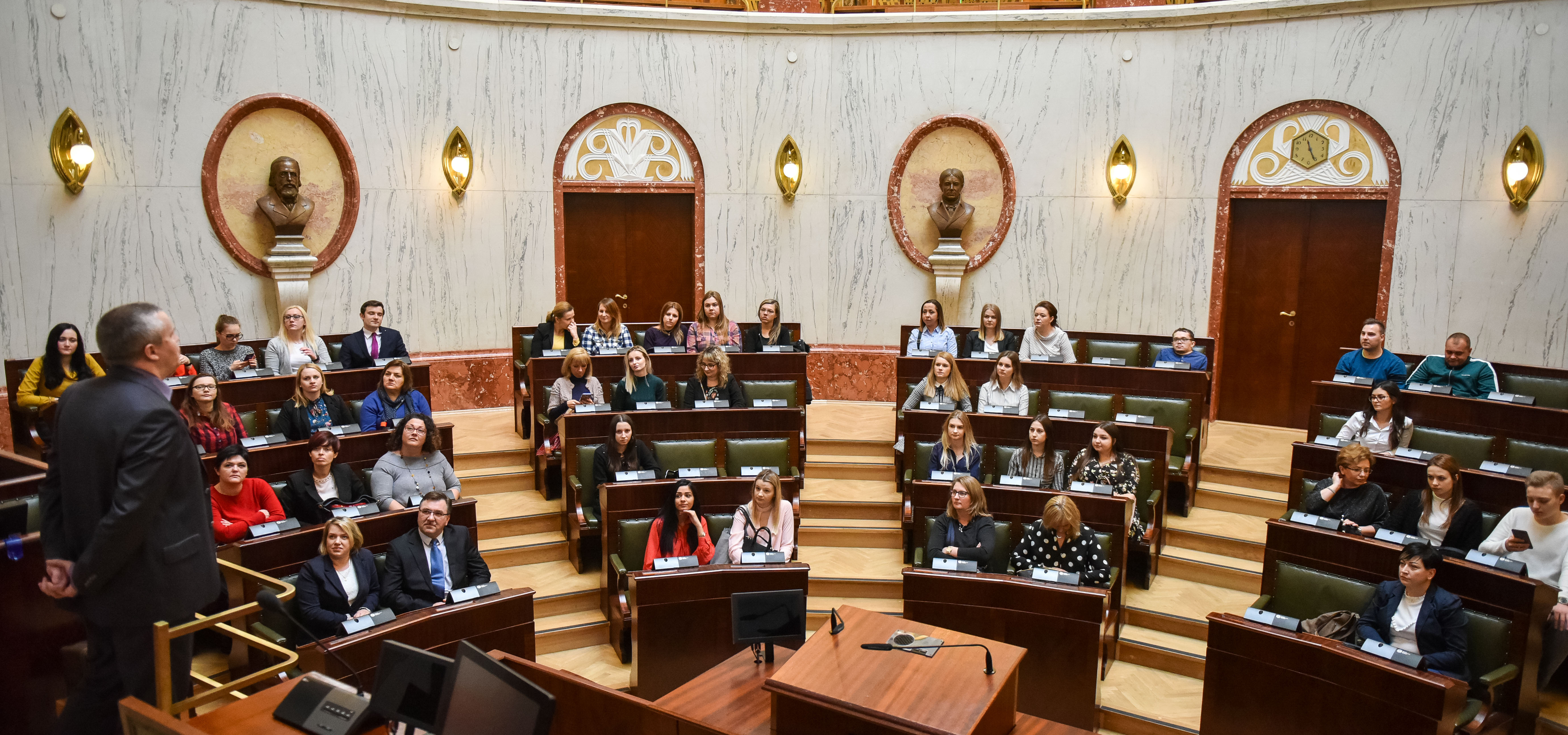 Studenci Bankowej na zajęciach w Śląskim Urzędzie Wojewódzkim