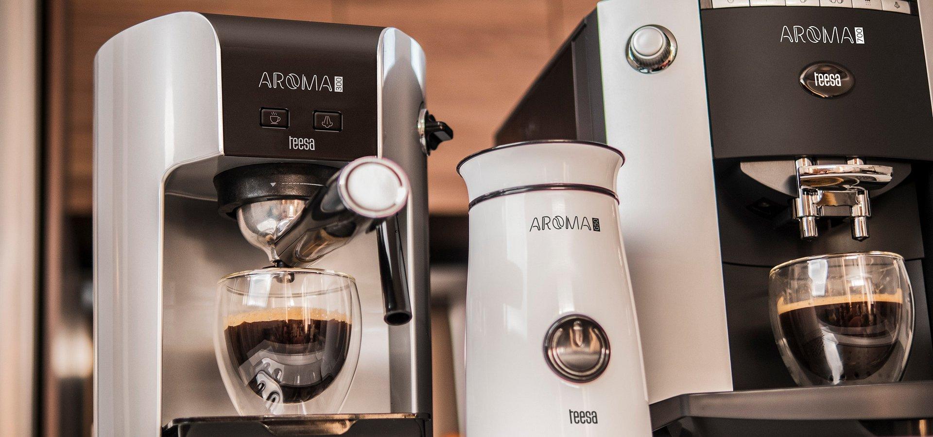 Ekspresy do kawy z serii AROMA w ofercie marki Teesa