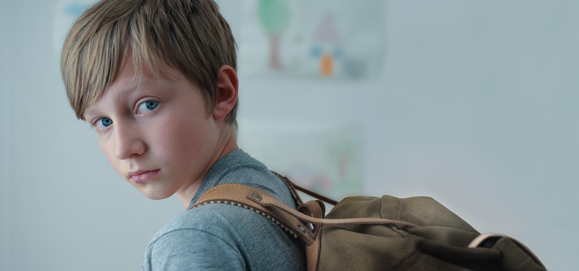"""""""Problemy dorosłych to ciężar dla dzieci"""" - nowa kampania SOS Wiosek Dziecięcych"""