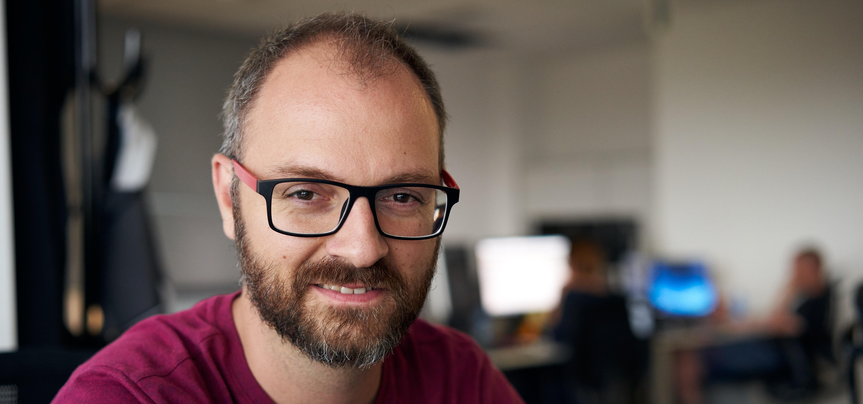 Какво е да работиш като софтуерен консултант във VMware?