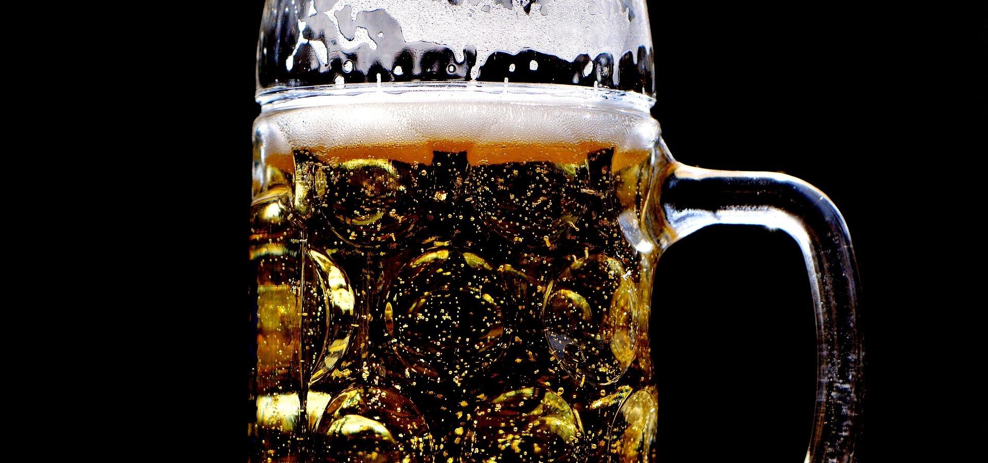 Z ponurej gospody do cudu narodowego - historia czeskiego piwa