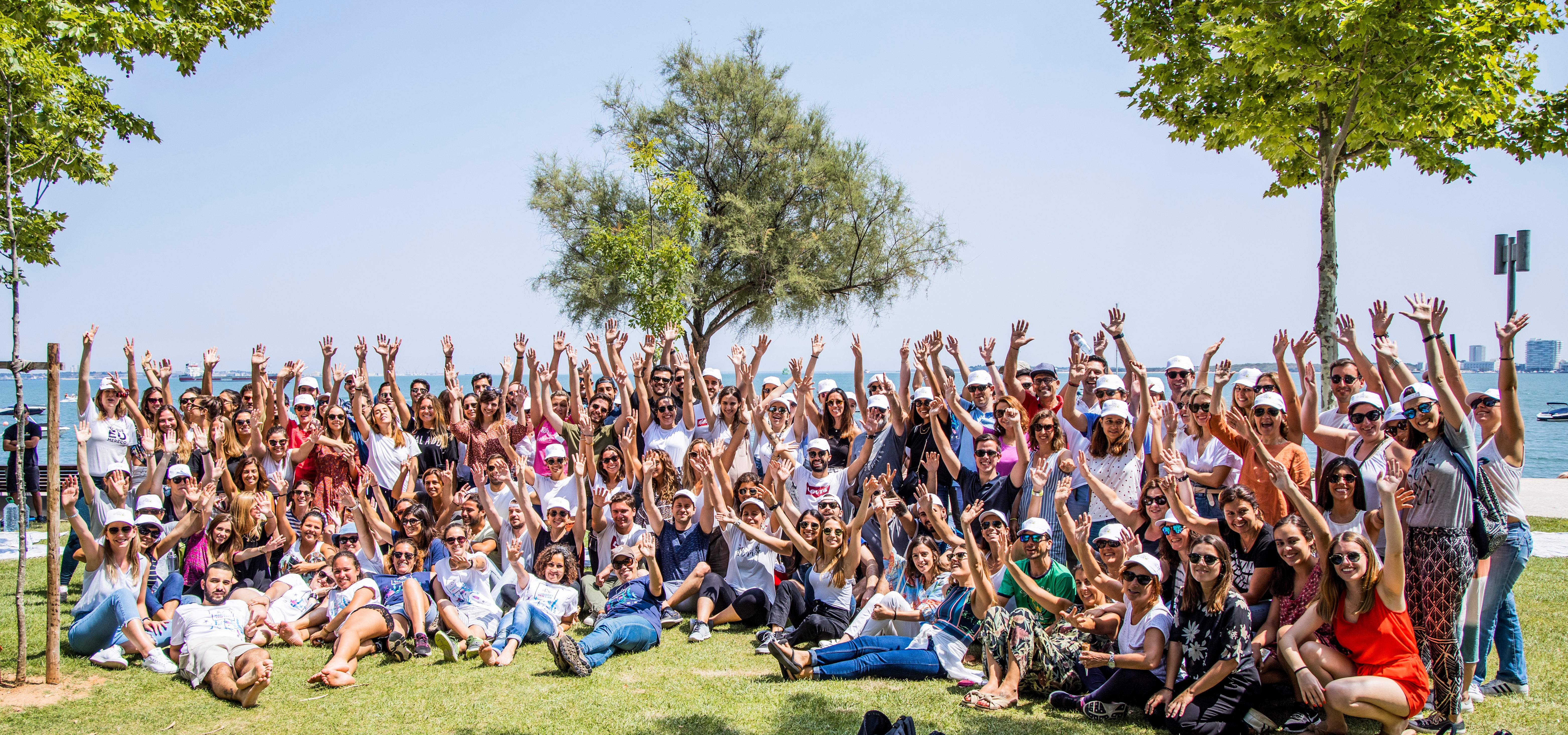 Colaboradores da L'Oréal Portugal limpam 850kg de lixo das praias do estuário do Sado