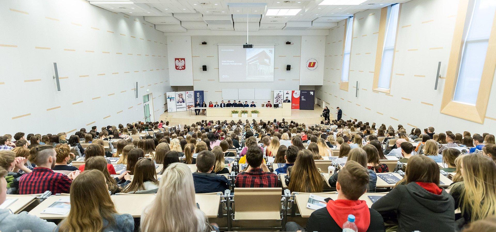 """Pierwsze takie studia w Polsce! Briefing na """"Filologu"""""""