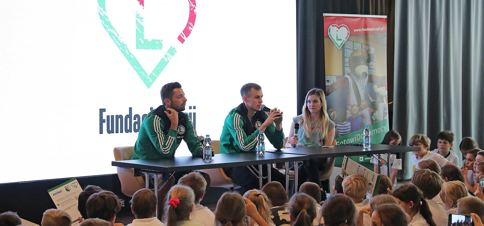 Biedronka i Legia Warszawa uczą dzieci, jak żyć zdrowo