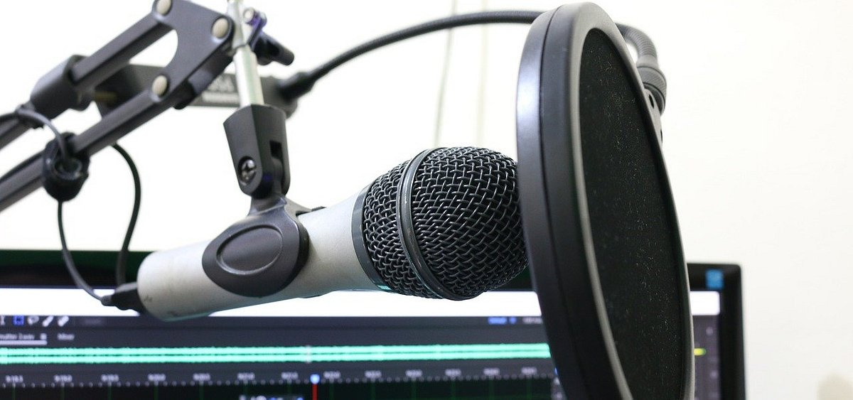 """Podaj Dalej"" – przed nami drugi sezon podcastu Lighthouse"