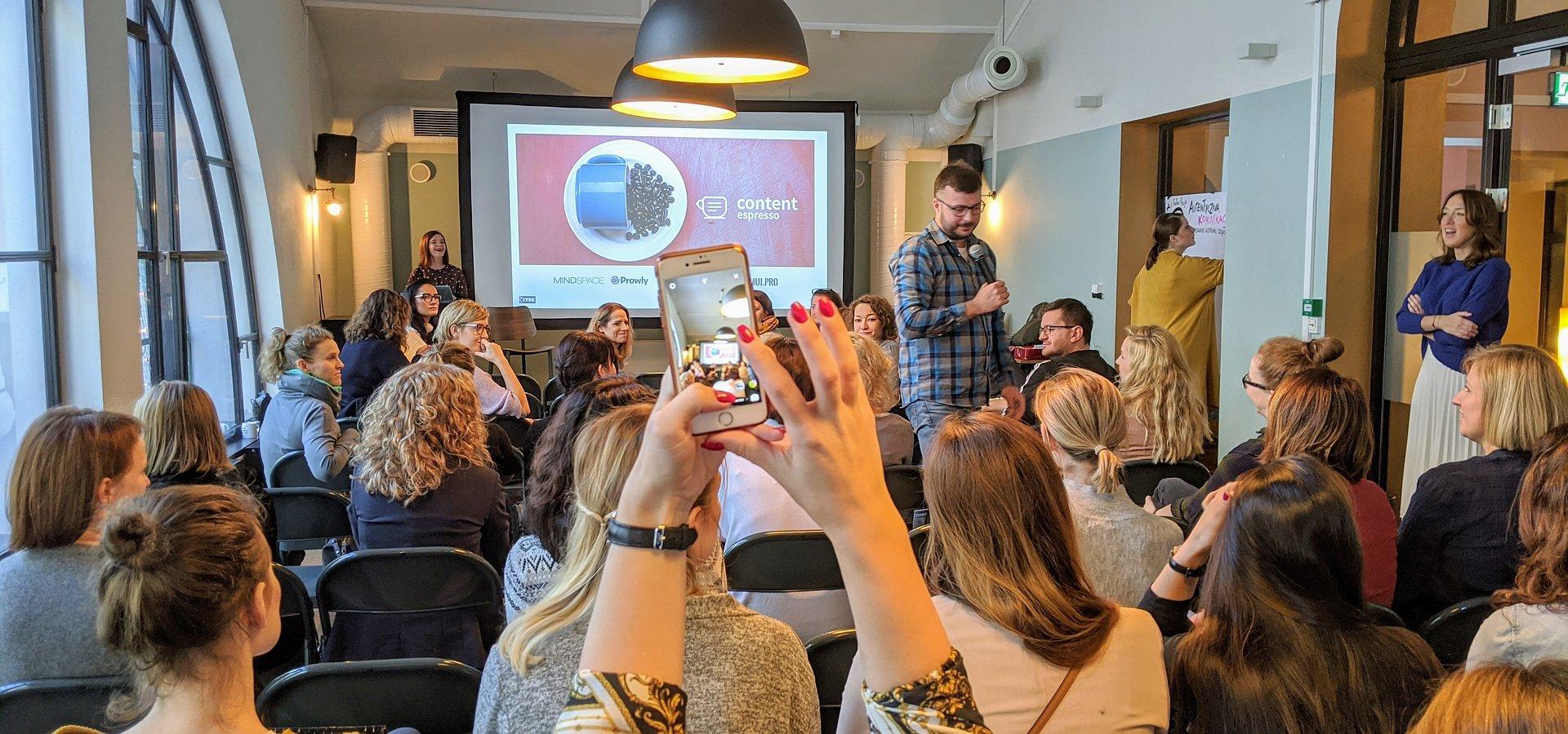 O autentycznej komunikacji w #JYSKvlog – czyli jak zrobić wideo, które może spodobać się komuś jeszcze niż tylko dyrekcji firmy?
