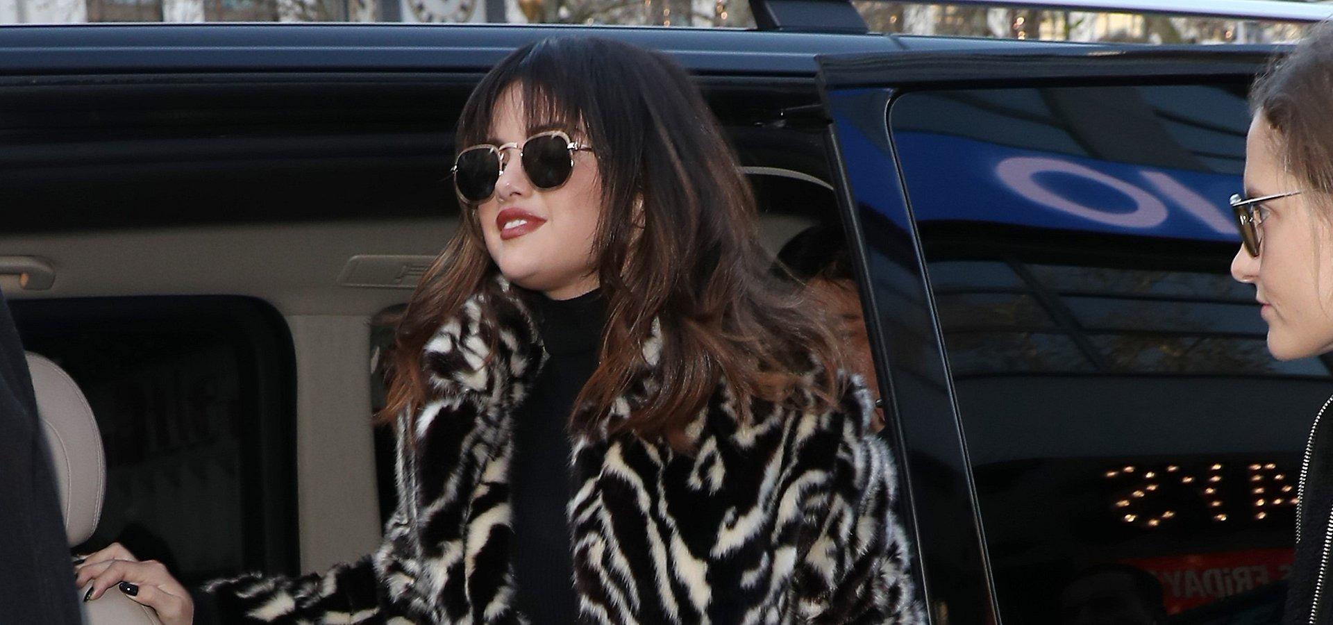 SPOTTED: Selena Gomez w futrzanym płaszczu od Mango!