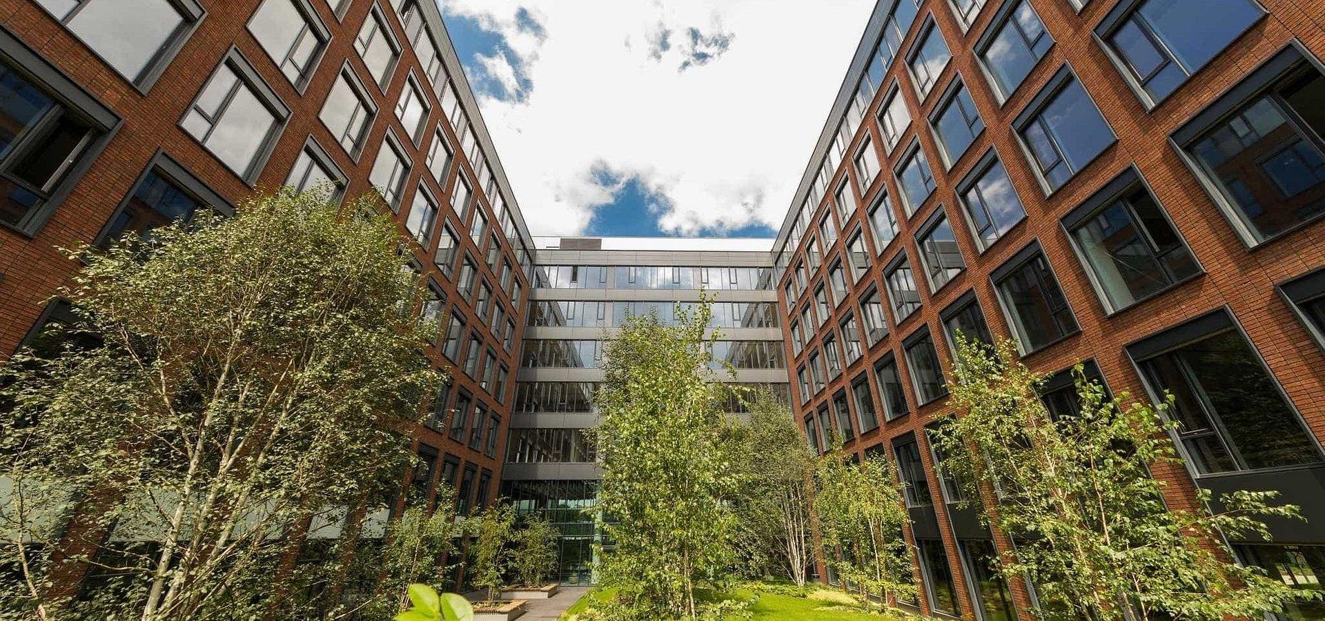 HB Reavis Group v Bratislave odpredal budovu Twin City A Prvému realitnému fondu IAD Investments