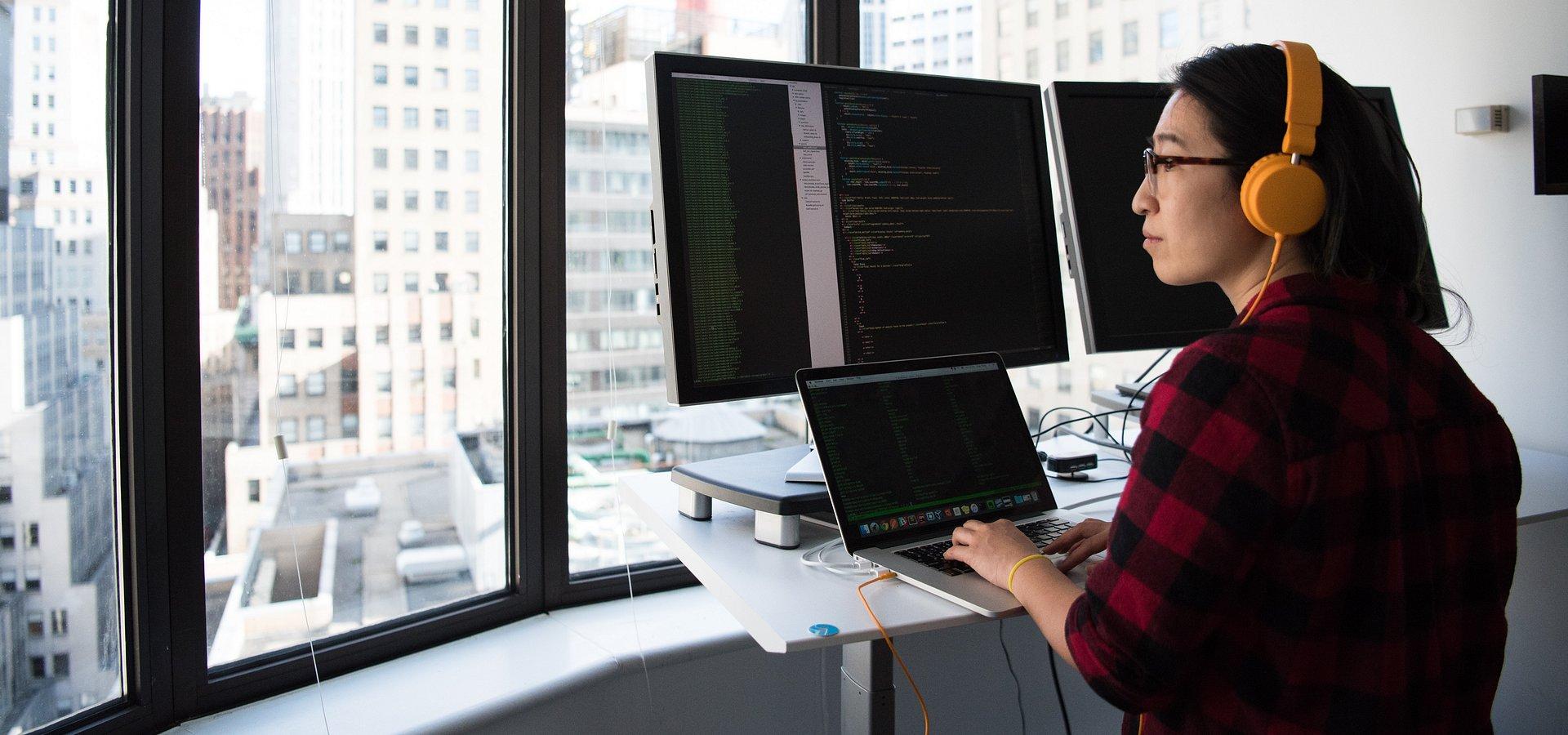 Ekspert IT pilnie poszukiwany. Kogo rekrutują firmy?