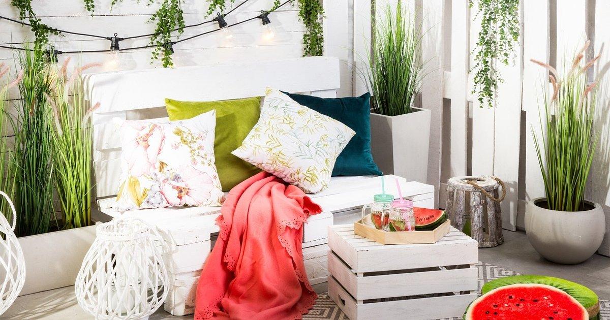 Aranżacja balkonu i tarasu – majówka pod hasłem #stayhome