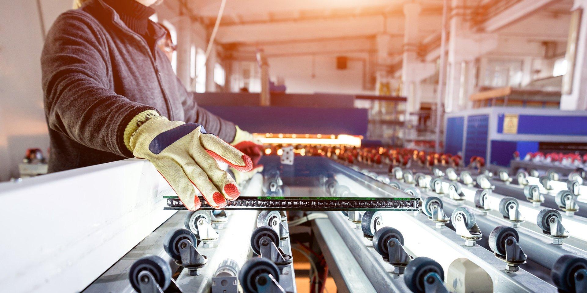 Produkcja przemysłowa spadła o 17% r/r